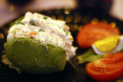 Palta Rellena Vegetariana is an avocado stuffed with a mixure of green peas, carrots.