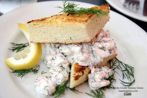 Tre Kronor's Toast Skagen has the perfect amount of dill.